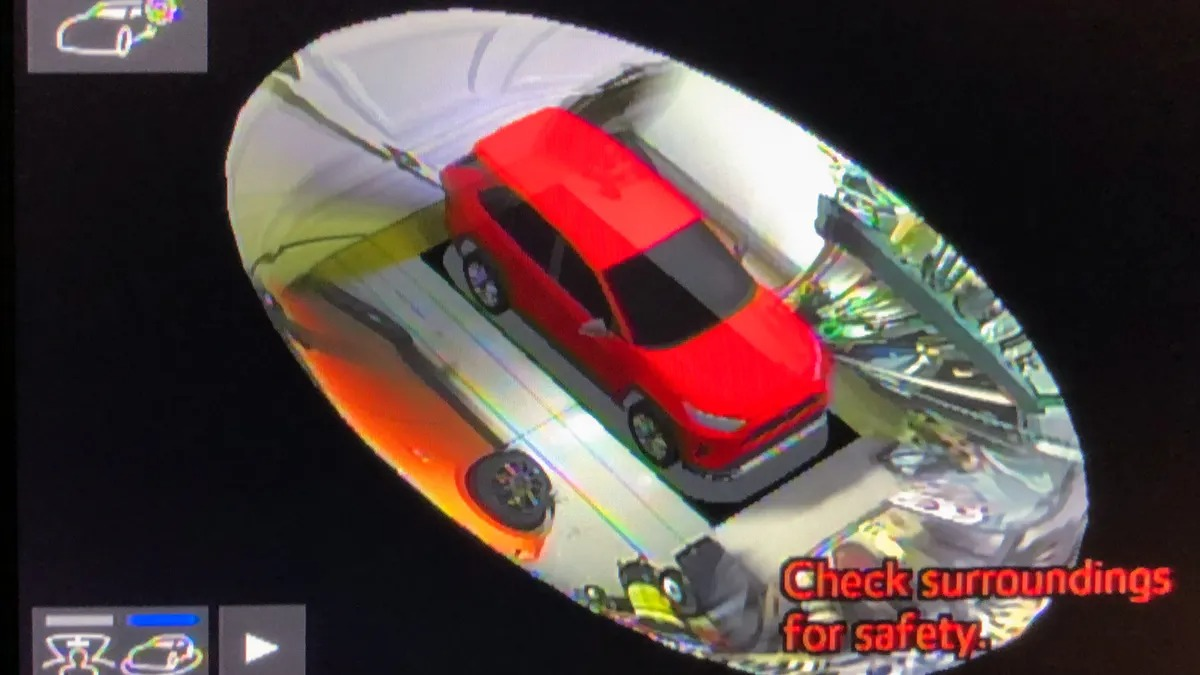 ELECTRONIC DRIVER AIDS — BIRD'S EYE OR PANORAMIC VIEW CAMERA (32)