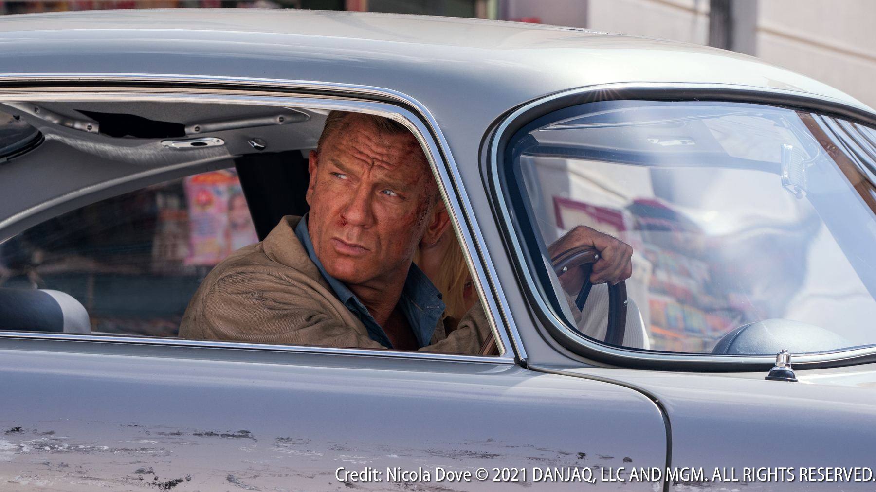 """James Bond 007 & his Aston Martin DB 5 in """"NO TIME TO DIE"""""""
